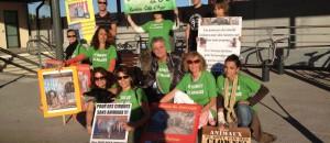 Manifestation devant le cirque Muller à Villeneuve Loubet, samedi 12 octobre
