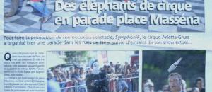 Manifestation lors du défilé du cirque Gruss