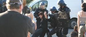 Arles : un journaliste de Planète Animaux tabassé et placé en garde à vue !